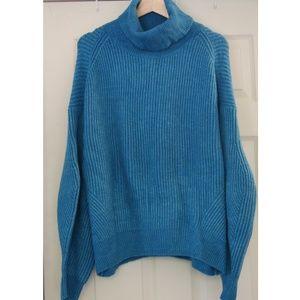 H&M turtle neck sweater sz M